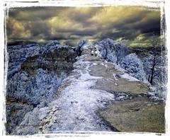 Collsacabra (Ar@lee) Tags: barcelona catalunya espectrecomplet fullspectrum filtre720nm photographyinfrared fotografiainfrarroja montañas nubes