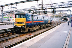"""91011 """"Terence Cuneo"""" GNER London Kings Cross 2000 (Paul David Smith (Widnes Road)) Tags: 91011 terencecuneo gner london kings cross 2000 class 91 class91 225 eclectra 910"""