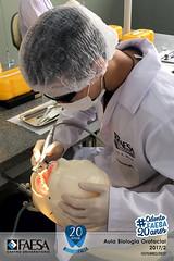 2017-02_Aula-Biologiaorofacial---IMG_4023 (#OdontoFAESA) Tags: biologia orofacial semestre 20172 profilaxia odontológicos bacteriana placa biofilme dental micromotor escova robinson ensino educação estudo sorriso aprendizagem vida atividade coração azul faesa odonto otonologia 20anos odonto20anos graduação superior experiência pesquisa dente odontologia odontofaesa