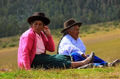 Domingo de campo (Gaby Fil Φ) Tags: costumbres trajestípicos ayacucho huamanga santuariohistóricopampadeayacucho perú sudamérica colla latinoamérica mujeresperuanas mujeres colores quechua
