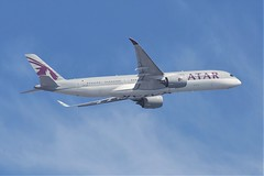 A7-ALF | Airbus A350-941 | Qatar Airways (jANgsg) Tags: singapore sinwsss a7alf airbusa350941 qatarairways