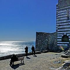 Porto Venere, Italia (pom.angers) Tags: liguria march 2013 panasonicdmctz30 portovenere golfodeipoeti boat sailing sea laspezia baiadellegrazie italia italy europeanunion people bench church sky 200