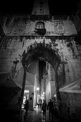 Split, Croatia (pas le matin) Tags: street rue people building architecture arch arche travel voyage city cityscape ville split croatia croatie hrvatska night nuit silhouettes europe europa canon 7d canon7d canoneos7d eos7d nb bw blackandwhite noiretblanc monochrome