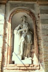DSC_3033 (Thomas Cogley) Tags: friday italia italy murano museo museodelvetro sculpture stone venezia venice vetro woman thomascogley thomas cogley