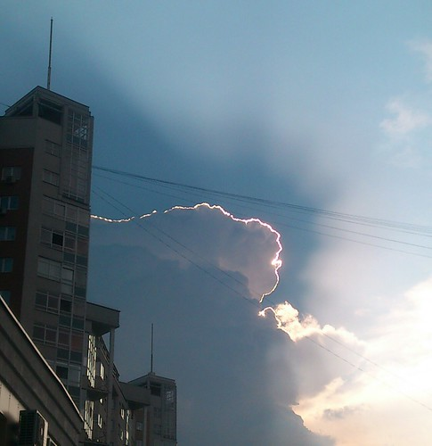 Every cloud has its silver lining ©  Alexander Yampolsky