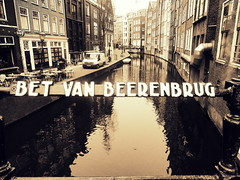 Bet Van Beerenbrug (Bambola 2012) Tags: amsterdam canal canale kanal most bridge ponte architecture architettura arhitektura winter inverno zima reflection riflesso odraz window finestra prozor
