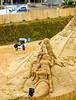Spreestrand Spreebogen 03 (zimmermann8821) Tags: deutschland sommer stadt berlin spreebogen strand strandatmosphäre sandarchitektur sandplastik strandkorb person regenschirm skulptur sand