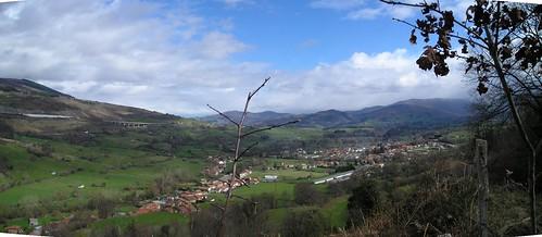 Marcha Senderismo Barbara Barcena Pie De Concha Cantabria Fotografia Javi Cille (23)