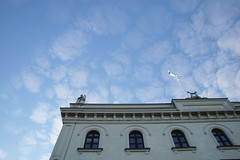 a theatre and the sky (ericgrhs) Tags: storateatern göteborg gothenburg sweden sverige sky clouds himmel wolken architecture theater theatre building