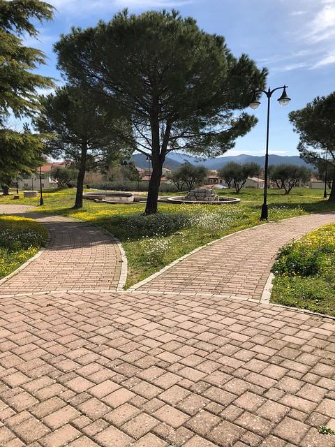 Esplanade_cimetiere_pugetville_201804