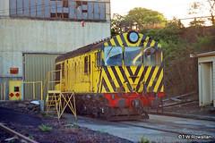 X18 at Hobart (DQ2004) Tags: derwentvalleyrailway extgr tgrxclass xclass x18 englishelectric hobartrailyard
