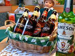 Zwischenstand / Intermediate status (rudi_valtiner) Tags: guinness kilkenny bier beer irishwhiskey wasserdeslebens dullamoredew jameson irland ireland hlpatrick stpatricksday prost sláinte flatz stpatrick flaschen bottles irisch irish feiertag holiday