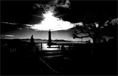 000476 (la_imagen) Tags: sw bw blackandwhite siyahbeyaz monochrome menschen people insan lindau lindauimbodensee bodensee laimagen lakeconstanze lagodiconstanza lagodeconstanza silhouette siluet lighthouse leuchtturm fener sun sonne güneş alps alpen alplar