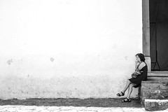 roendo unhas (renanluna) Tags: mulher woman roendo gnawing unhas nails monocromia monochromatic pretoebranco blackandwhite pb bw sãopaulo 011 sp br 55 fuji fujifilm fujifilmxt1 xt1 35mm fujinon35mmf14xfr fujinon renanluna