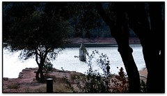 La típica de Sant Romà, Embassament de Sau (Osona) (Jesús Cano Sánchez) Tags: elsenyordelsbertins fujifilm xq1 catalunya cataluña catalonia barcelonaprovincia osona collsacabra sau embassament panta pantano embalse reservoir campanar campanario belfry senderisme senderismo hiking