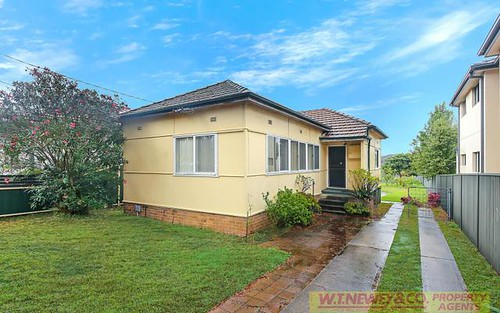 72 Napoleon Rd, Greenacre NSW 2190
