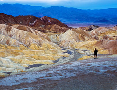 Right place, right time (Robyn Hooz) Tags: deathvalley zabriskie california alone photographer tripod treppiede geology dunes alba dawn dune colori strati