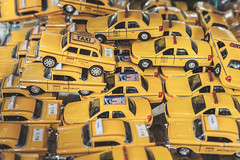 Taxi in NYC avenues|New York|USA (Giovanni Riccioni) Tags: 2018 5d america canon canonef50mmf18stm canoneos5d eos fullframe giovanniriccioniphotography march marzo newyork states statiunitidamerica travel usa unitedstatesofamerica viaggiare viaggio nyc stilllife perspective yellow car macchina macchine gioco toy toys machine cars confusion advertisement caos taxi reportage