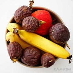 20180330-06-Still life with fruit (Roger T Wong) Tags: 2018 australia canon100f28macro canonef100mmf28macrousm hobart iv metabones rogertwong smartadapter sonya7ii sonyalpha7ii sonyilce7m2 tasmania apple banana fruit passionfruit stilllife
