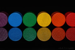 Rainbowcolorcirclesplayingfigures😊 (benno.dierauer) Tags: macrounlimited macro macromondays circles canon70d playingfigures colors farben tabletop