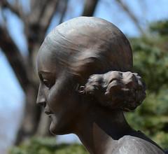 DSC_4978a_close-up (Fransois) Tags: statue closeup ange angel cimetière cemetery montréal côtedesneiges notredamedesneiges bokeh dof calme quiet apatheia απάθεια
