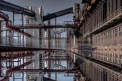 Christo verhüllt Kokerei? (ARTUS8) Tags: technik flickr abandoned nikond800 spiegelung nikon28300mmf3556 industrie reflection industry
