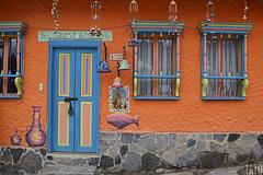 Puertas y Ventanas (Tato Avila) Tags: colombia colores boyacá arquitectura casas puertas ventanas