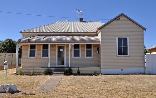 13 Prince St, Junee NSW 2663