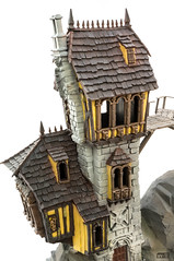 Crooked House: Savage drybrushing (Will Vale) Tags: fantasy 28mm warscryercitadel scenery warhammer scalemodel gamesworkshop ageofsigmar malignportents skullvanemanse