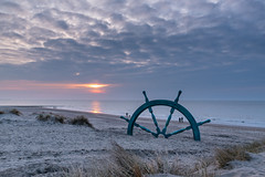 The Navigator Monument (Djiezes Kraaist) Tags: beaufort 2018 navigator monument westende belgian coastline beach simondybbroemøller