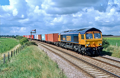 66708 Kennet (Gridboy56) Tags: gm gbrf europe england emd diesel locomotive locomotives liner uk trains train railways railroad railfreight intermodal containers hamshall felixstowe kennet cambridgeshire 66708 4l25
