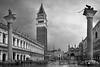 Piazza San Marco, Venezia (Air'L) Tags: venise venezia italie place nb bw noiretblanc architecture colonne campanile sanmarco