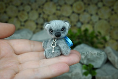 misha04 (Zhanna Zolotina) Tags: miniature teddy bear ooak toyzz tinydolhousetoyzz tiny dollhouse blythe