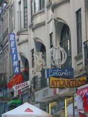 (sftrajan) Tags: porto portugal retinaóptica retina optical neonsign pig ruadesampaiobruno optician opticians storefront signage