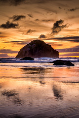 Face Rock Reflections (Manuela Durson) Tags: facerock face rock bandon oregon beach coast coastal shore shoreline reflections sunset sunsetoverwater sunsetoverocean landscape nature beautiful scene