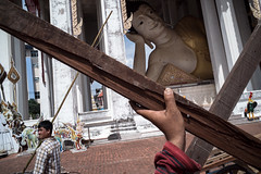 * (Sakulchai Sikitikul) Tags: street snap streetphotography summicron songkhla sony a7s 35mm leica thailand hatyai statues hand worker