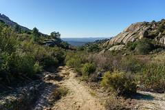 CAMINANDO POR LA SIERRA (bacasr) Tags: sendero rocas mounts path naturaleza caminando nature hiking trail montes madrid senderismo hoyodemanzanares españa rocks