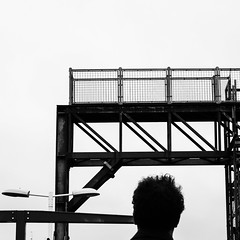https://www.instagram.com/p/BgVdUCOAFSm/?taken-by=francoiselerusse (franleru1) Tags: francoiselerusse london londres omdem5 olympus photoderue blackandwhite chemindefer citylife monochrome noiretblanc railway silhouette streetphotography urbain urban urbandisaster urbanism urbanisme