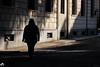 donna all'ombra (mrpistons (Giuliano)) Tags: domodossola street vco luci light shadows italy città comune piazza umano donna