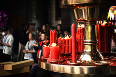 Longshan temple, Taipei (Sergio Capuzzimati) Tags: longshan temple taipei taiwan nikon d3300 religion worship candle red color incense smoke holy