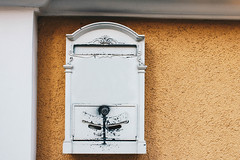 Altmodischer Briefkasten (marcoverch) Tags: wood color box concept home background icon post mailboxes house decoration design isolated business mailbox letter old vintage red white texture symbol antique style delivery retro postbox message metal communication wall decorative letterbox mail altmodisch briefkasten pretty eos tamron head catwa berlin nyc streetart mist children