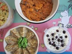 Bento 570 (Sandwood.) Tags: food meal dish bento goulash dumplings yoghurt potatosalad vegetables meatfree vegetarian cheese lunch lunchbox cooking