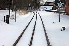 Klein- und Großbahn in Putbus (lt_paris) Tags: urlaubinbinz2018 rügen putbus rasenderroland eisenbahn gleis schmalspurbahn bahnhof winter schnee
