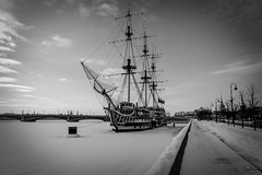 Stuck in thr River (Tony_Brasier) Tags: icecold outdoors russia raw river road cars cold saintpetersburg bridge blackwhite ships boats buildings bluesky nikond7200 1750mm fantastic location lovely sigma sky snow statues day