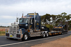 Turners Kenworth T904 (Bourney123) Tags: turners kenworth t904 truck trucks trucking highway haulage orange outback newsouthwales oversize