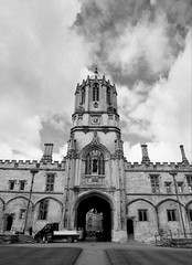 The Tom Tower (p2-r2) Tags: nikon f3 f3hp agfa apx 100 film new emulsion oxford england uk blackandwhite tom tower christ church college sky clouds