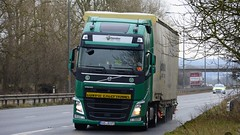 SAD JU 571 (panmanstan) Tags: volvo fh wagon truck lorry commercial international freight transport haulage vehicle a63 everthorpe yorkshire