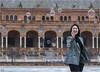 Séville - Place d'Espagne (Richard Giulielli) Tags: séville andalousie espagne bulles dames femme bonheur