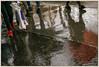 Rime rouge (afantelin) Tags: iledefrance paris13è pluie trottoir reflet jambes chaussure pied eau passant