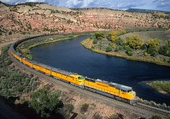 Special on the Cutoff (Moffat Road) Tags: unionpacific up passengertrain director'sspecial curve river cutoff dotserocutoff bond colorado upglenwoodspringssub coloradoriver emd sd70m 4167 eunit e9 train railroad locomotive co